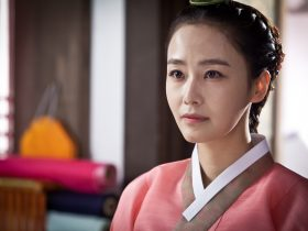 ドラマ『チャン・オクチョン』で仁顕(イニョン)王后をホン・スヒョンが演じた。